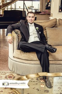 Groom-Couch